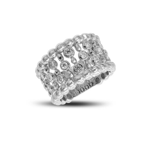 Diamond ring with multi-shaped bezels
