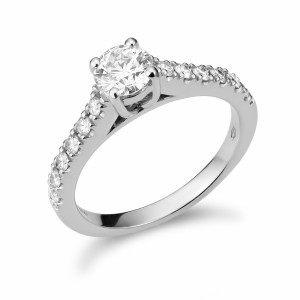 [en:]Cathedral pavé diamond engagement ring[/en][nl:]Cathedral pavé diamanten verlovingsring[/nl]