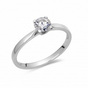 [en:]Classic narrow diamond engagement ring[/en][nl:]Diamanten solitaire verlovingsring[/nl]
